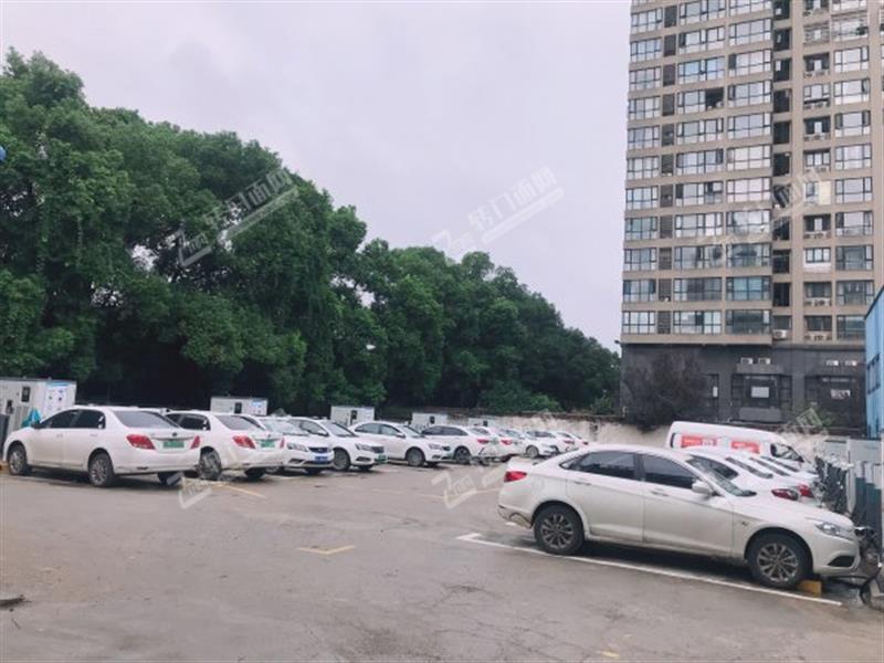 房东直租火车站地铁口旁145㎡商铺门面(可做仓库)